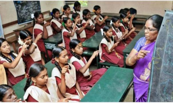 online-education-free-smart-phones-for-5000-students-in-10th-standard-chennai-corporation