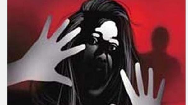 shocker-from-kerala-woman-gangraped-in-front-of-child-husband-and-four-friends-arrested