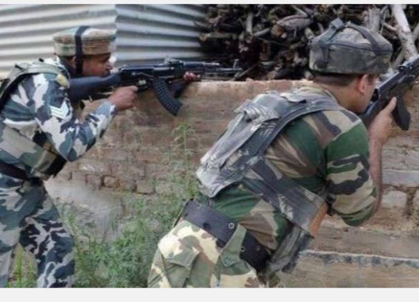 army-jawan-killed-as-pakistani-troops-shell-forward-areas-along-loc-ib-in-j-k
