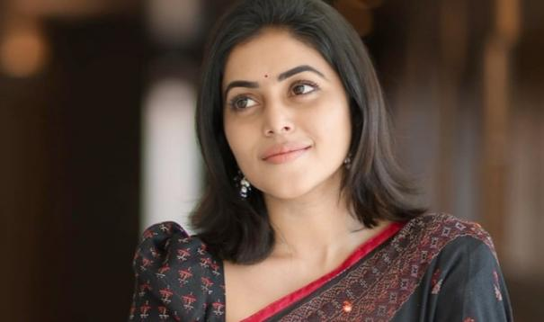 4-arrested-for-threatening-south-indian-actress-poorna