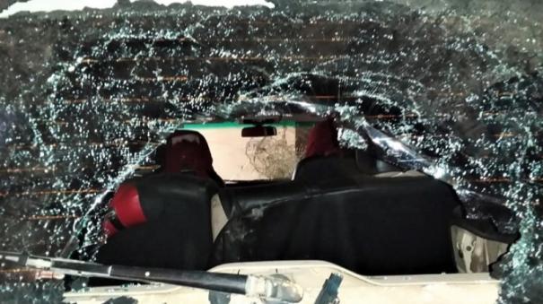 bjp-cadres-car-attacked-in-madurai-avaniyapuram-police-file-case
