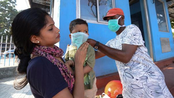 corona-affected-mother-can-give-feed-to-child