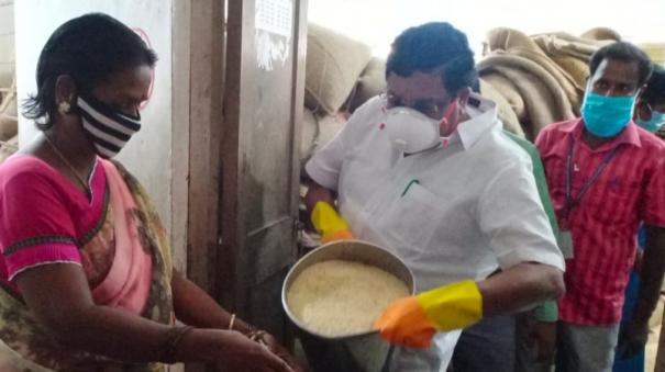 ration-rice-distribution-in-schools-at-puduchery