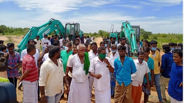 people-oppose-illegal-sand-mining-in-sivagangai