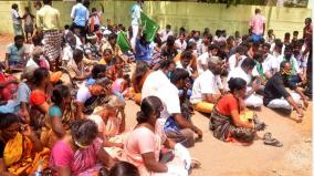 tutcorin-family-protest-not-getting-the-bodies-of-4-who-died-while-cleaning-sewage-tank