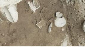 find-6-pots-in-the-same-pit-in-the-trench