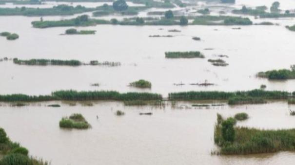 china-cities-declare-flood-red-alerts-as-extreme-weather-threats-surge