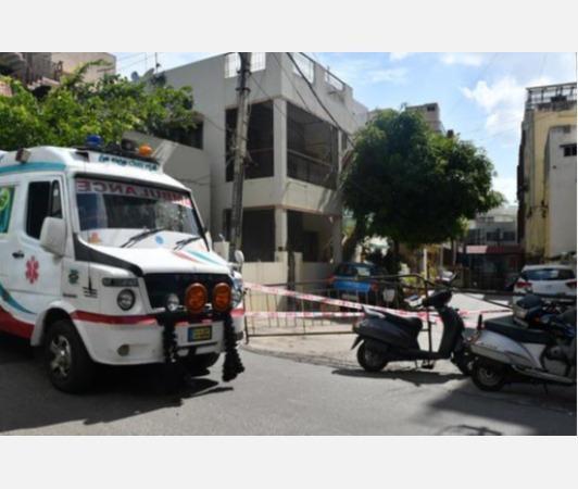 locals-block-streets-pelt-stones-at-ambulance-carrying-covid-19-victim-s-body-8-arrested