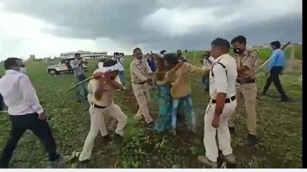 guna-collector-sp-removed-after-dalit-couple-consume-pesticide-resisting-anti-encroachment-drive