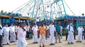 fishermen-protest-at-karaikkal
