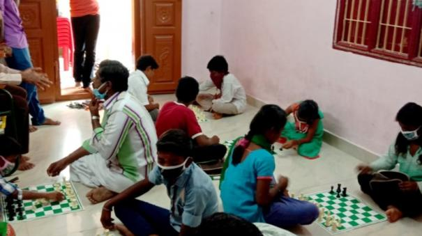 free-chess-training-for-government-school-students-organized-by-salem-foundation
