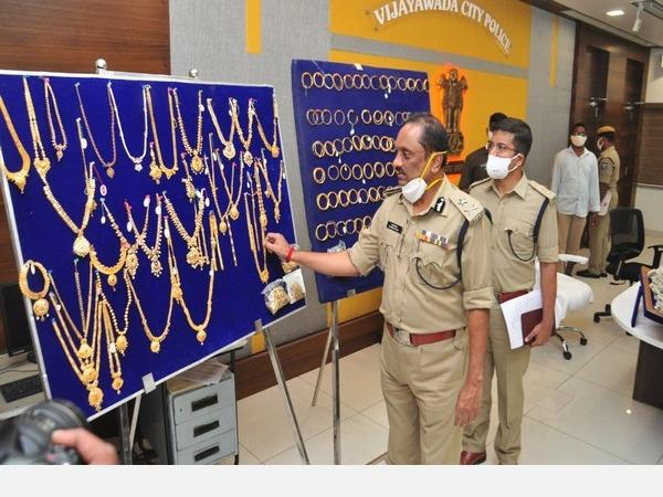 vijayawada-police-crack-gold-heist-case-within-hours