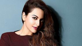 sonakshi-joins-top-cop-cyber-experts-to-fight-cyber-bullying