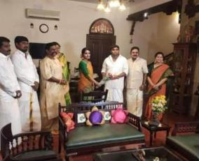 ttv-dhinakaran-s-daughter-engaged-with-vandaiyar-family