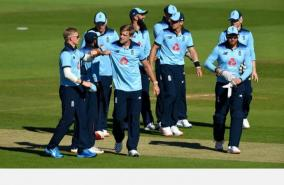 england-thrashes-ireland-in-first-odi