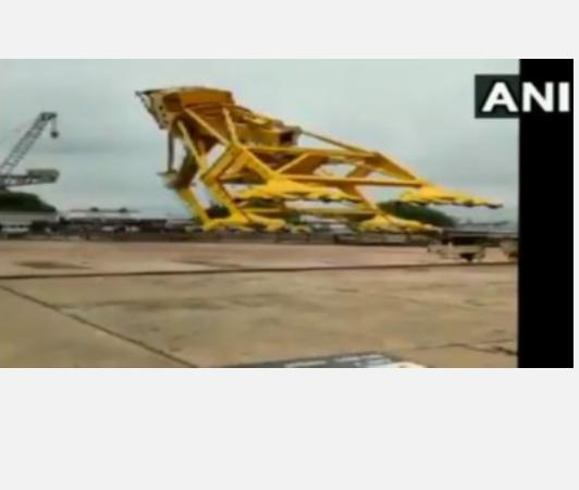 nine-killed-in-cane-accident-in-hindustan-shipyard-visakhapatnam