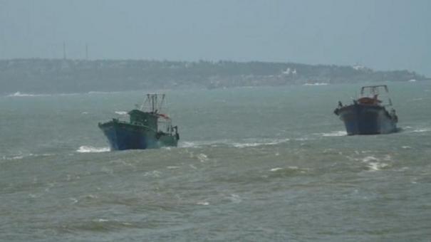 kanyakumari-fishermen-went-to-sea-for-fishing-as-ban-period-ends