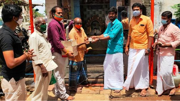 bjp-shares-sweet-with-public-on-account-of-foundation-stone-laid-at-ramar-temple