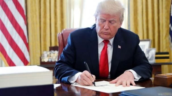trump-signs-executive-orders-banning-tiktok-wechat