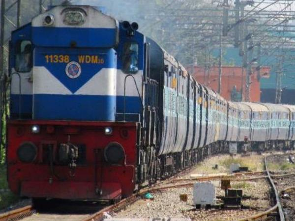 india-s-first-kisan-rail-flagged-off-from-mahas-deolali