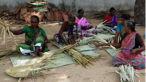 palm-leaf-workers-life-affected-due-to-corona-curfew