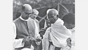 gandhi-and-photos