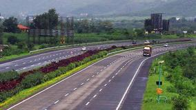 gadkari-reviews-road-projects-using-modern-and-green-technology-launches-mobile-app-harit-path-instructs-to-ensure-e-tagging-of-plants