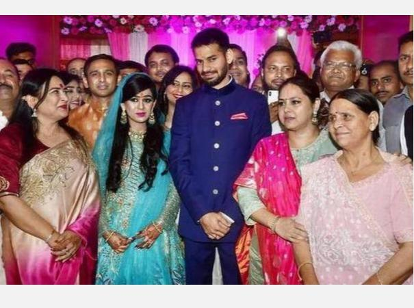 lalu-s-family-feud-over-political-feud-wife-aishwarya-opposes-husband-tej-pratap-in-bihar-elections