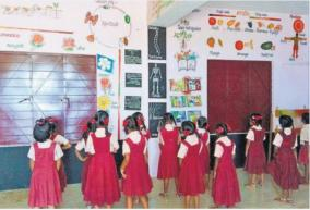 school-in-solapur-city-uses-walls-of-houses-to-impart-lessons-to-poor-students