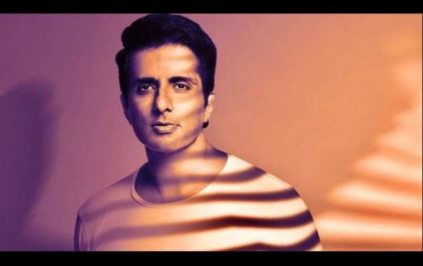 sonu-sood-not-ready-to-enter-politics-at-the-moment