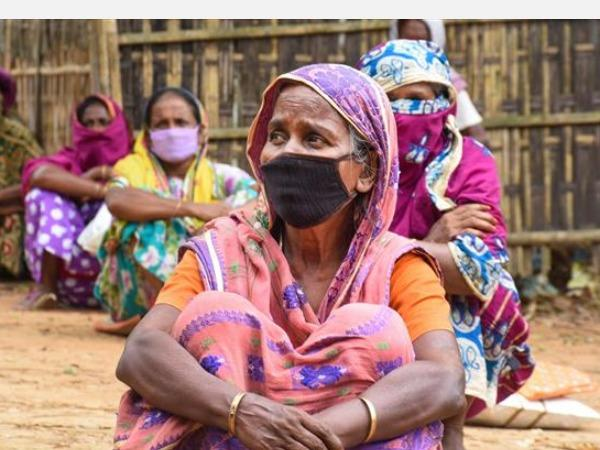 covid-19-pandemic-will-push-47-million-more-women-girls-into-extreme-poverty-by-2021-un