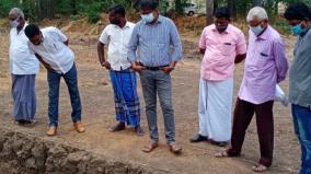 archealogy-department-commissioner-udayachandran-ias-inspects-in-sivakalai-adhichanallur