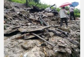 50-dead-in-dr-congo-mining-well-landslide