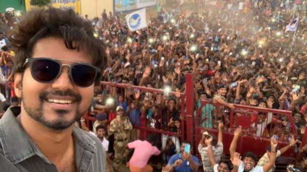 vijay-selfie-creates-record-in-twitter