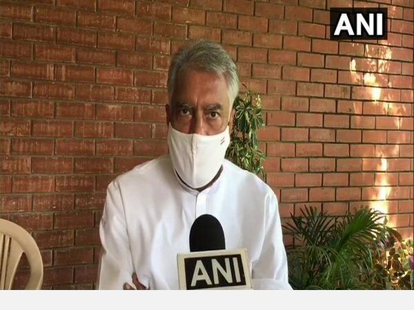harsimrat-kaur-s-resignation-was-out-of-compulsion-cong-s-sunil-jakhar