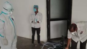 puduchery-minister-malladi-krishnarao-cleans-hospital-toilet