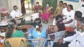 panchayat-leaders-in-thuckalay-stage-sit-in-protest