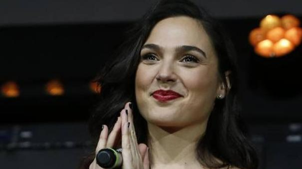 gal-gadot-to-play-cleopatra-in-biopic