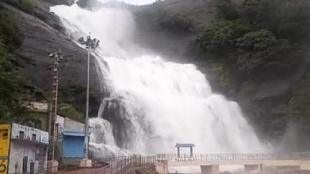 heavy-rains-lash-tenkasi-courtallam-flooded
