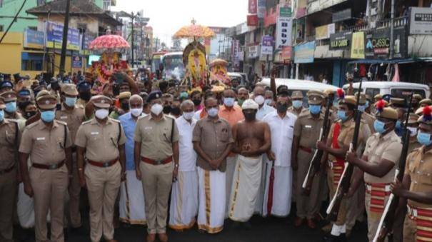 navaratiri-festival-kumari-temple-idols-handed-over-to-kerala