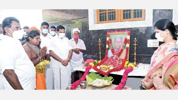 cm-palanisamy-mother-passed-away