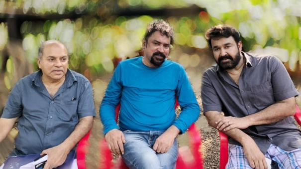 santhosh-sivan-in-barroz
