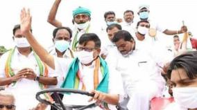 k-s-alagiri-stages-protest-in-theni