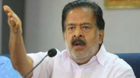gold-smuggling-case-pinarayi-sivasankar-helping-each-other-says-chennithala