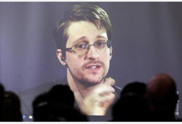 fugitive-us-whistleblower-edward-snowden-has-been-granted-permanent-residency
