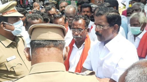 relatives-of-youth-protest-in-sivagangai-hospital