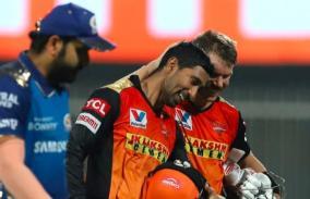 ipl-2020-srh-qualifies-for-play-offs-mumbai-indians-rohit-sharma-warner-saha