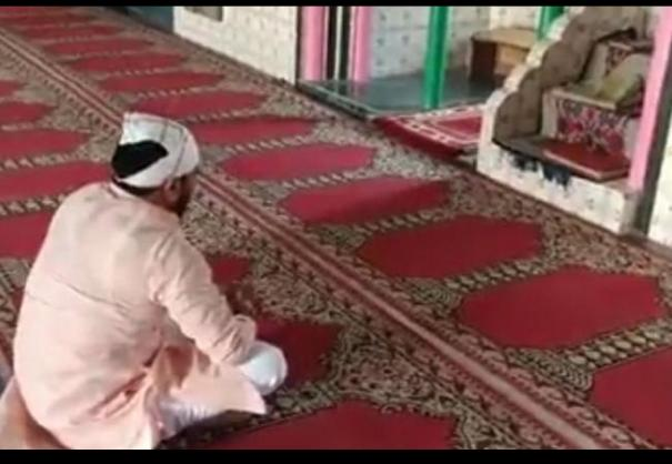 hanuman-chalisa-in-mosque