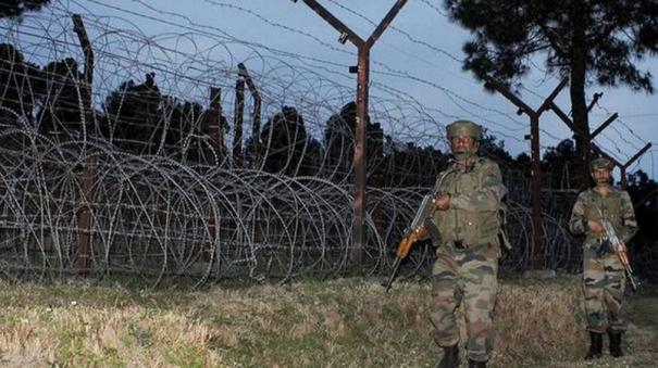 pakistani-troops-shell-villages-forward-posts-along-loc-ib-in-j-k-s-poonch-and-kathua