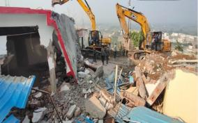 computer-baba-detained-by-police-in-mp-s-indore-for-obstructing-ashram-demolition